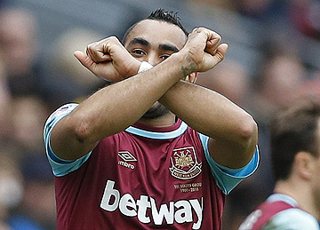 Payet - Crossed Hammers