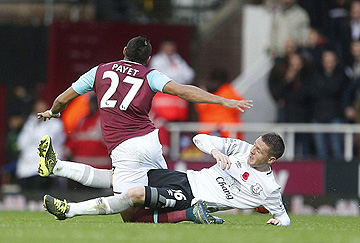 bad tackle on payet