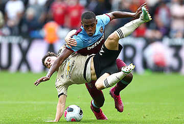 issa diop tangles with david james